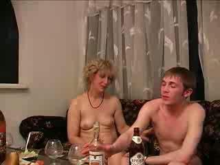 borracho, las mamás y los niños, duro