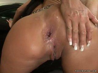 Φυσαλίδα butted μωρό christina bella acquires ένα load του cream pie σε αυτήν luch holes