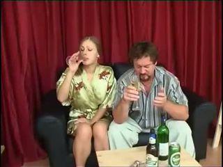 Apa fucks lánya után ivás sör