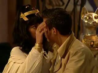 Cleopatra anāls un sejas masāža