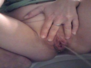 Piss: Big labia big pee 1