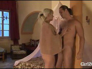 Vivian schmitt haremsdamen