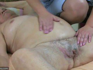 Tuk velké krásné ženy babičky mít pohlaví s buclatý zralý a popruh-na tvrdéjádro