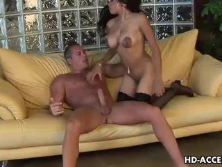bruneta, hardcore sex, orálny sex