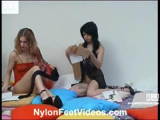 Viola en gertie gemeen panty voeten film