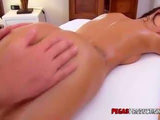 Amy Lee get an Anal Massage