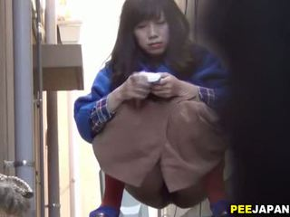 Aziatisch sluts alley urineren