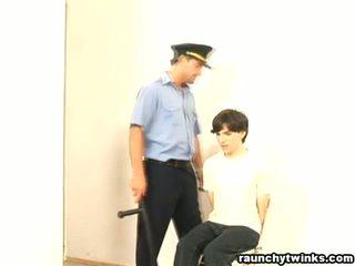 Άτακτος/η b-y arrested και πατήσαμε