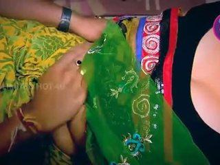 India ibu rumah tangga tempted boy neighbour oom in pawon - youtube.mp4