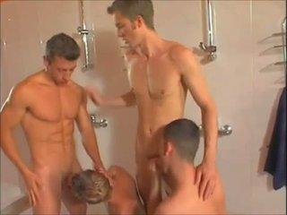 Het bög showers orgia