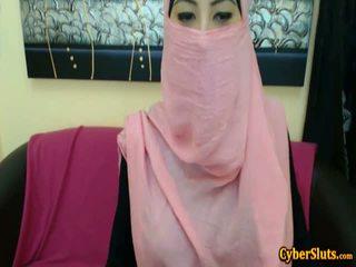 Echt verlegen arab meisjes naakt alleen op cybersluts
