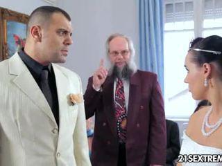Scandalous svatba