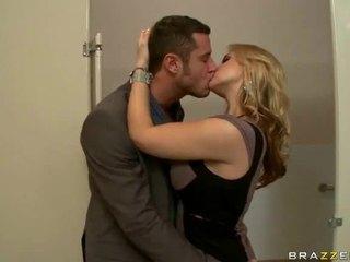 Μεγάλος βυζιά σεξ βίντεο του συζύγων