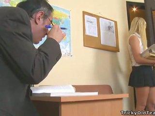 Delightful anal sex cu invatatoare