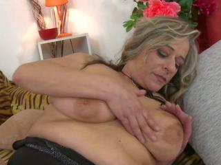 Mature Sex Bomb Mom with Big Saggy Tits, Porn 97