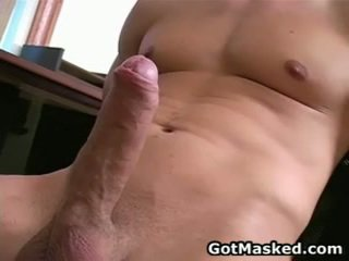 Hunky homosexual guy stripping 和 催人淚下 他的 10 pounder 26 由 gotmasked