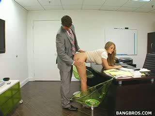 Longo haired loiro seducing dela chefe