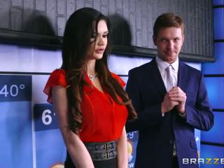 Brazzers - kendall karson fucks the weather людина