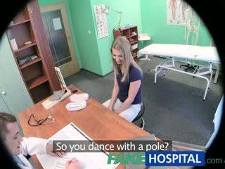 Fakehospital innocent בלונדינית gets the doctors מסג'