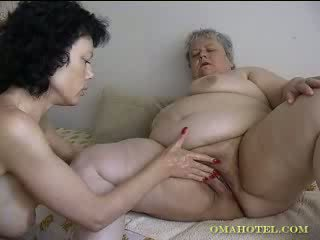 Older granny gets fisted Video