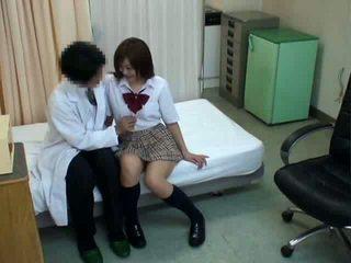 Istudyante hypnosis pagtatalik may doktor