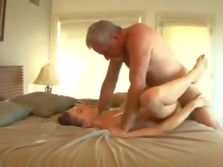 Groot piemel daddy fucks de baysitter, gratis porno 33