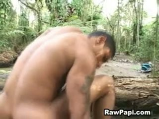 Latin hunk me guximtar wazoo barebacking në më i lartë dhe cumshots