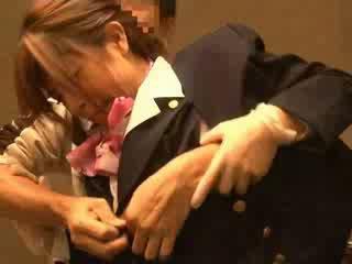 Gaisa hostess sagrupētas līdz passenger