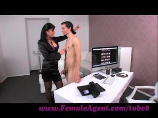 Femaleagent. virgin gets expert guidance από μητέρα που θα ήθελα να γαμήσω