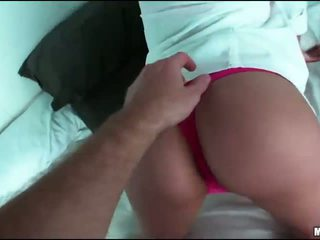 Teen girlfriend tries out painful anal