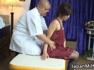 Á châu mẹ tôi đã muốn fuck has massage và fucking