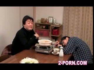 媽媽我喜歡操 性交 但 丈夫 nearby 她的