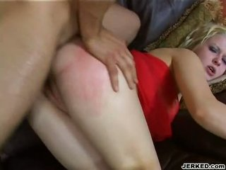 Seksi keemasan haired aaralyn barra receives dia sempit bokong rammed keras