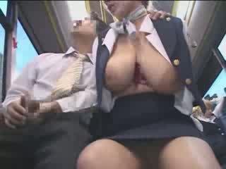 Prsnaté americké násťročné nahmatané v japonsko verejnosť autobus video