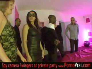 Francūzieši svingeri ballīte uz a privāti klubs daļa 03