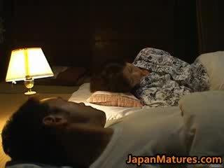 Chisato shouda verbazingwekkend rijpere japans