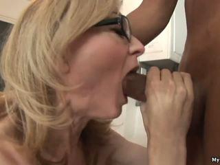 Nina hartley gets خشن handled بواسطة two أقرن أسود sytuds