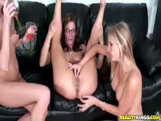 lapsuke, lesbian, threesome