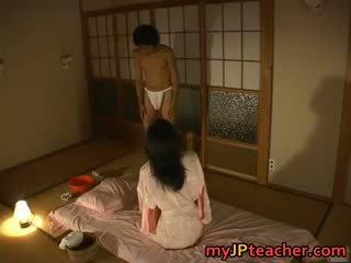 Quente japonesa professora enjoys a foder part4