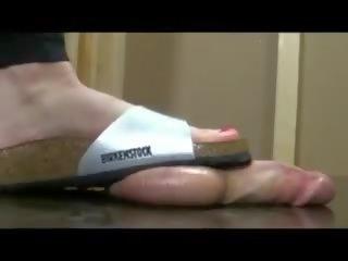 Crushing birkenstock: kostenlos footjob porno video ae
