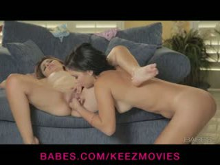 Natasha malkova fingers mandy sky do an niesamowite gushing orgazm