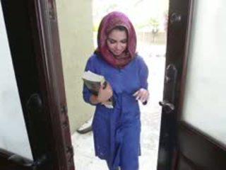 Hooters morena arab jovem grávida ada gets filled