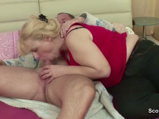 Step-mom Wake Him up with Blowjob and get Fuck Anal.