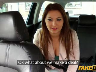Seksikas amatöör pounded koos pervert driver