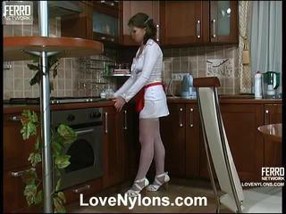 Alana och paul vivid nylonstrumpor handling