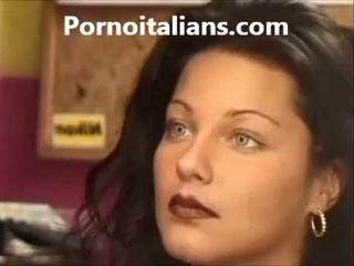 Italijanke lady licking poraščeni muca mokro tič craving