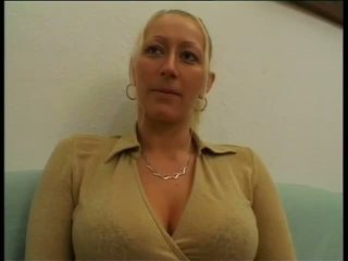 Soçniý nemes başlangyç blondinka sikiş on diwan: mugt porno a7