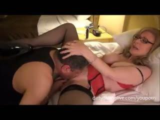 Nina hartley meets dapperdan पर exxxotica uses उसके फेस के लिए cuntlick lesson