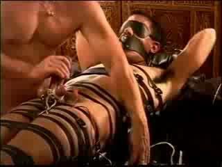 Electro siksaan alat kelamin pria dengan modified relax-a-cisor