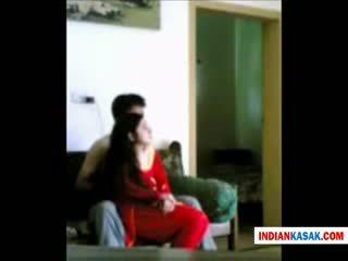 Indian desi politie om enjoying cu lui gf în acasă de pornraja